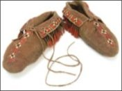 Moccasin- one piece puckered toe