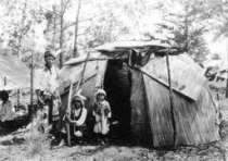 Image of how an historic Eastern Woodlands camp might llook